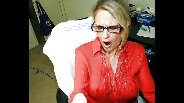 Սեքս առանց գրանցման  Մի հաստ կին, ով վիրավորել է իր ամուսնու ճարպոտ աքաղաղը առյուծ պոռնո ընտանեկան տեսանյութում: