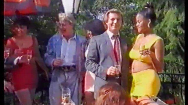 Սեքս առանց գրանցման  Ռուս Անն Թեյլորը, Նրա Սեւ երեքնուկ հենթաի Մանգա ընկերը
