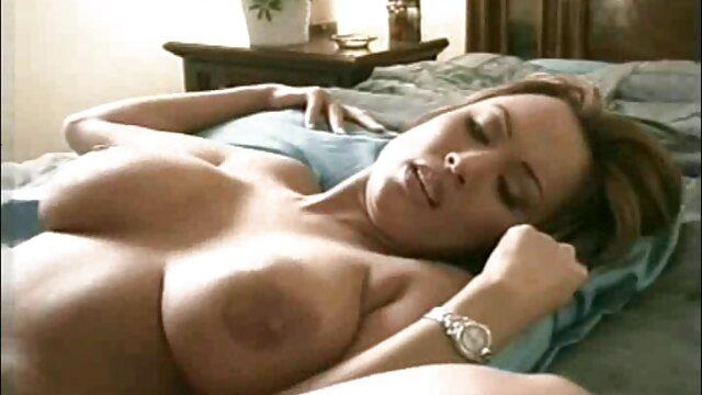 Սեքս առանց գրանցման  Carmen օձ մինետ այնքան քաղցր, դրսում.