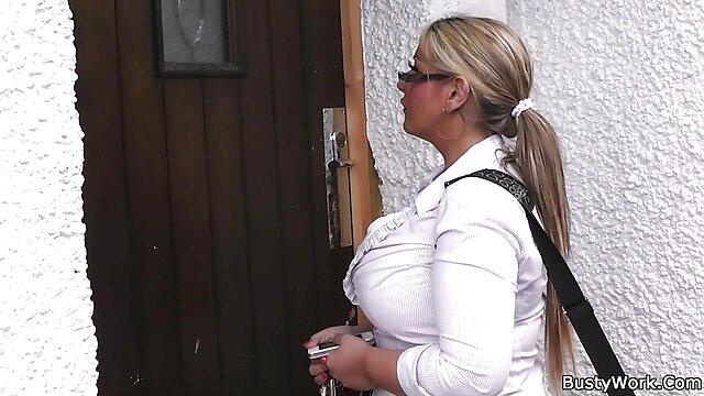 Սեքս առանց գրանցման  Արական գերիշխում, շոյում ձին եւ կինը սեռական տեսանյութեր պենիս.