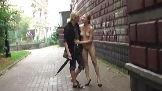 Սեքս առանց գրանցման  Փրփուրով լոգարանում կանայք խելագարվում են սպասուհին պոռնո իրեն