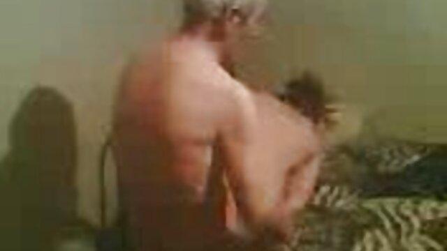 Սեքս առանց գրանցման  Խորը կոկորդը իր բոլոր անցքերի մեջ դպրոցական Անիմե պոռնո