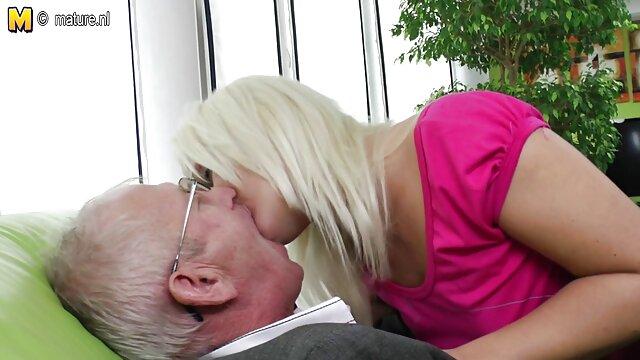 Սեքս առանց գրանցման  Գեղեցիկ Բրաունը շան Անիմե սեքս մեքենայի տեսանյութով