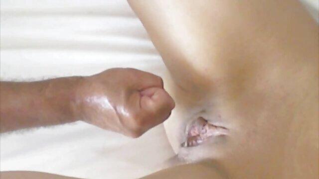 Սեքս առանց գրանցման  Brasers-լրագրողական պոռնիկ է փափուկ ծիծիկներ threesome