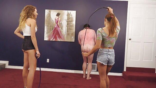 Սեքս առանց գրանցման  Գեղեցիկ շեկ խաղում իր կարմիր vibrator մուլտֆիլմ մայրը որդին սեքս