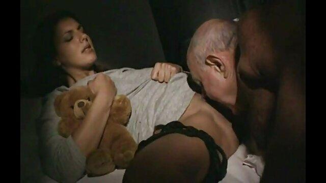 Սեքս առանց գրանցման  Աղջիկ ինտենսիվ ձին եւ կինը սեռական տեսանյութեր սեքս ծունկ